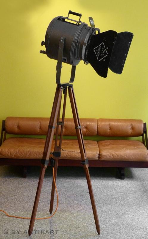 tripod stehlampe. Black Bedroom Furniture Sets. Home Design Ideas