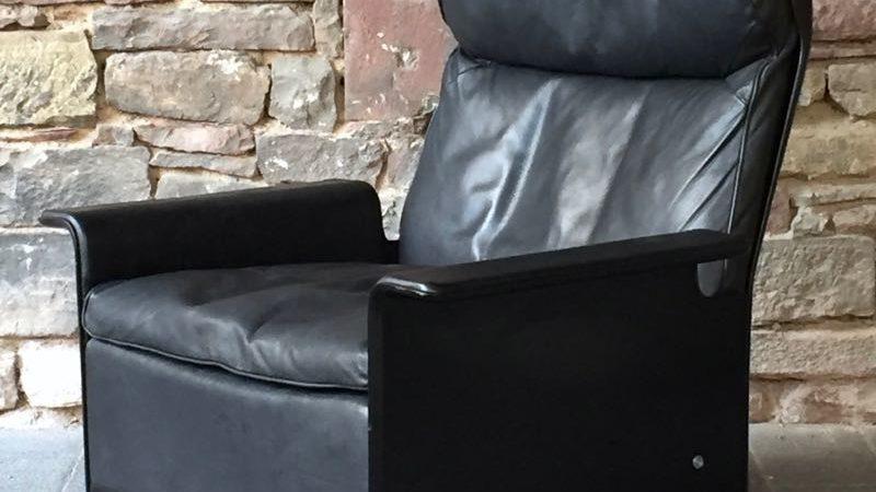seatings. Black Bedroom Furniture Sets. Home Design Ideas